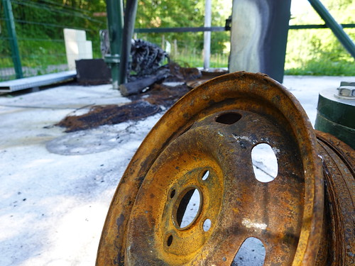 Wheel @ Burnt down telecom antenna @ Annecy-le-Vieux | by *_*