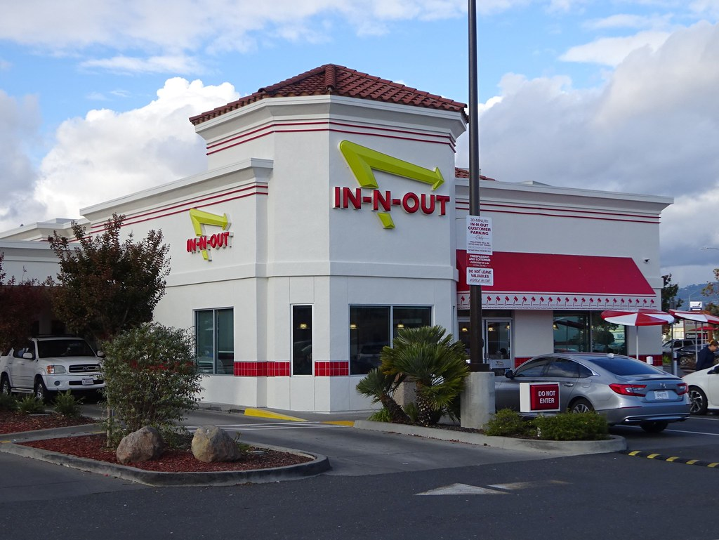 Oakland, CA: In-N-Out Burger