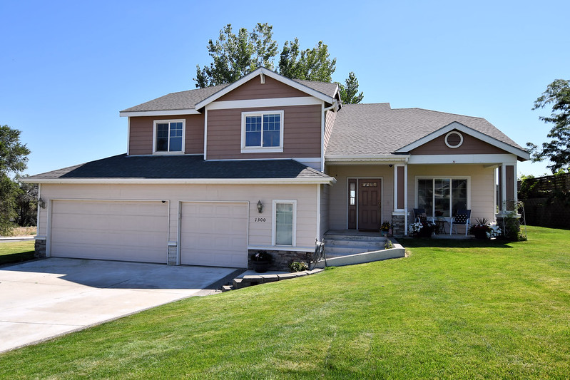 1300 Mazzard Avenue West Richland WA 99353   Home For Sale
