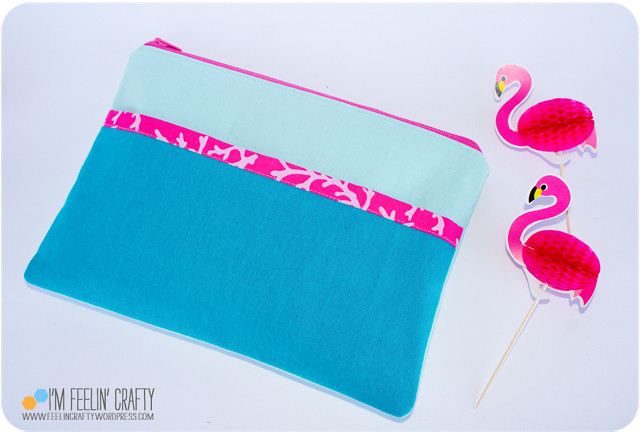 FlamingoPouch-Back-ImFeelinCrafty