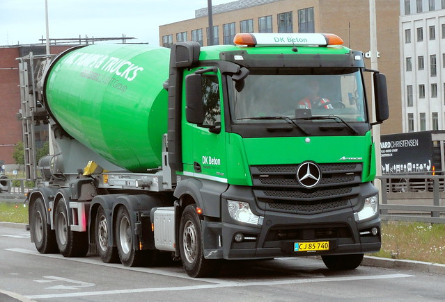 Mercedes Actros CJ85740 was the 4th of 5 articulated concrete mixers on this whole day job