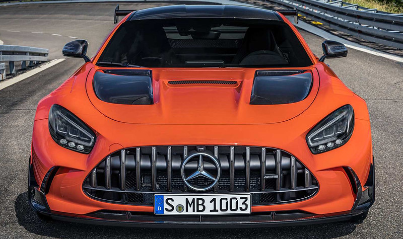 2021-mercedes-amg-gt-black-series-front-view