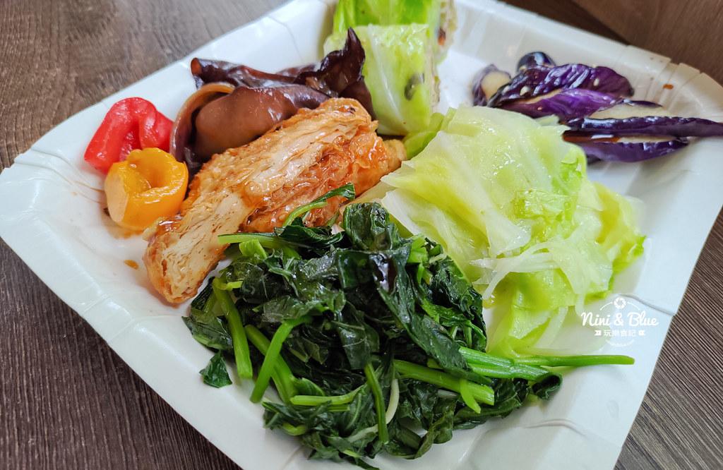 初一素食自助餐 台中素食15
