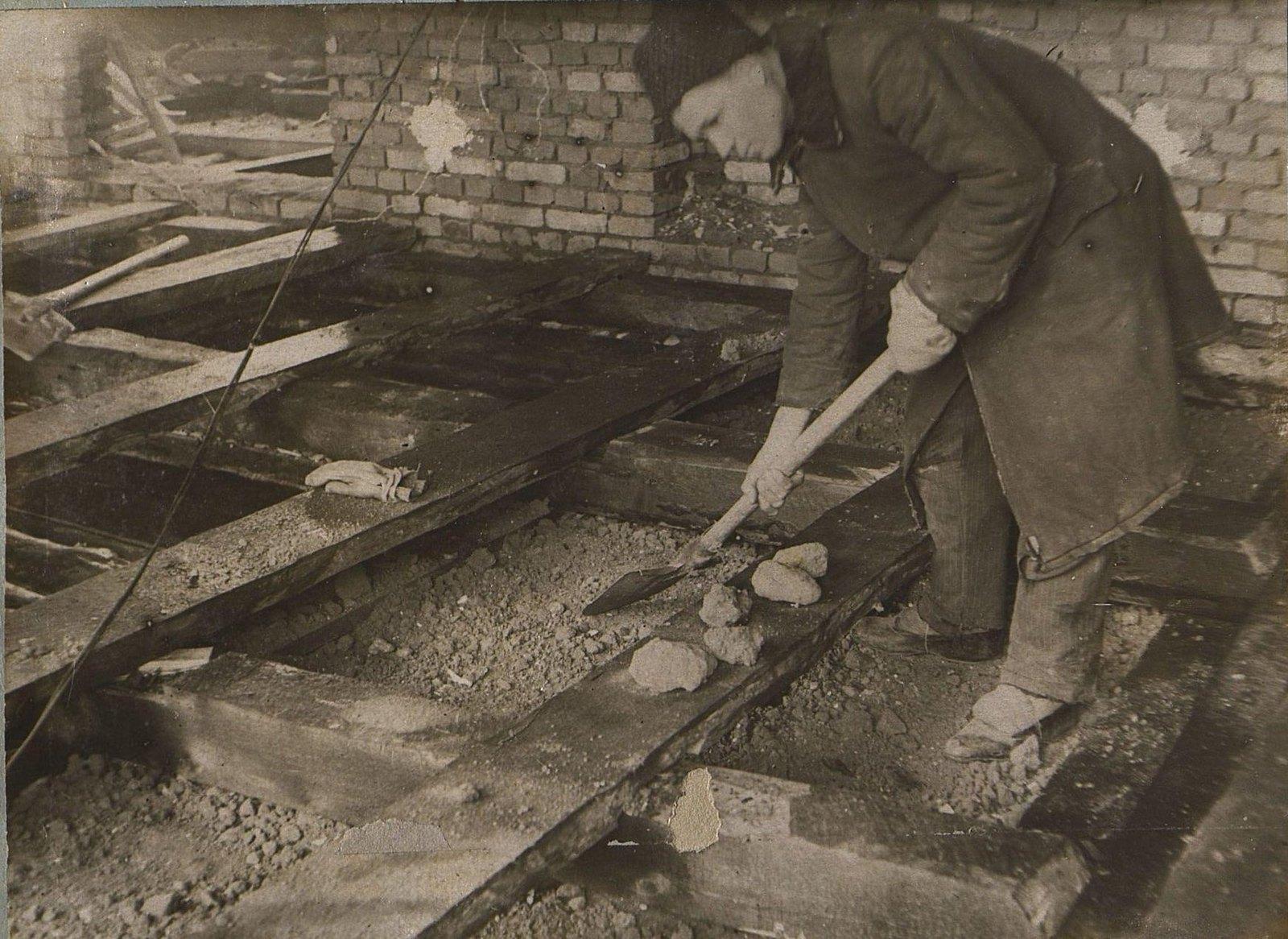 22.1937. Строительство школы на 3-й Лесной улице. Март