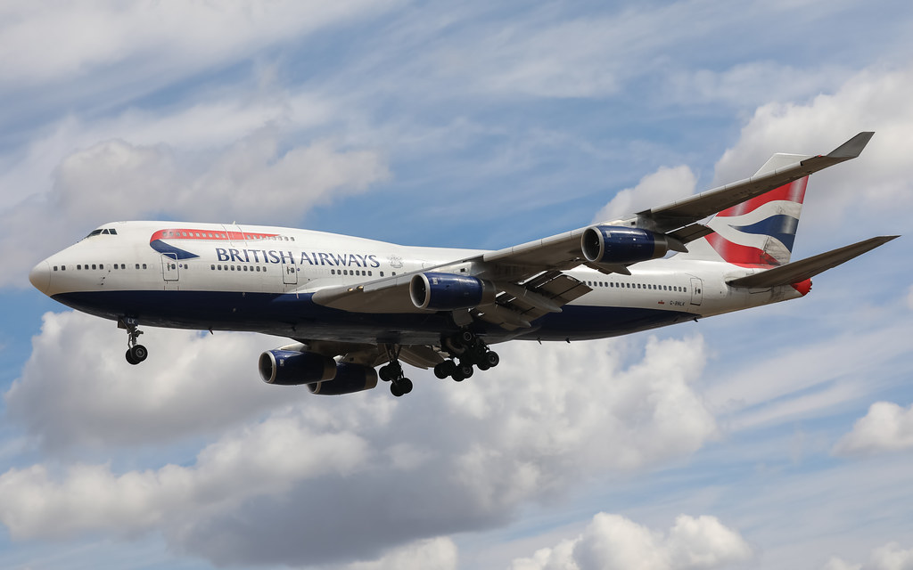 G-BNLK BRITISH AIRWAYS BOEING 747-400