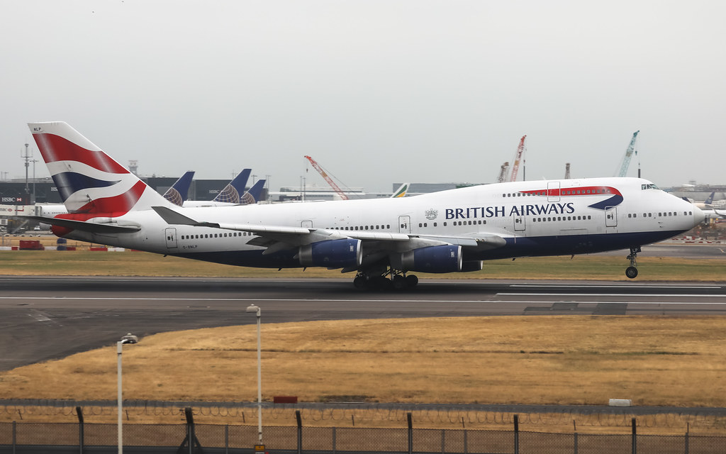 G-BNLP BRITISH AIRWAYS BOEING 747-400
