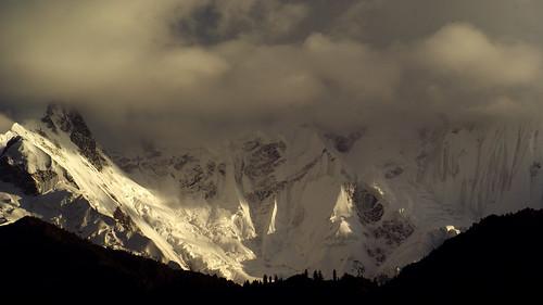clouds mountain snow pakistan sunset rakaposhi peak dusk