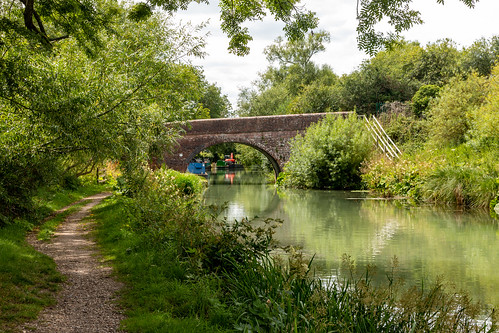 canal kennetandavon water towpath tree arch pontoon crane landscape wiltshire barge