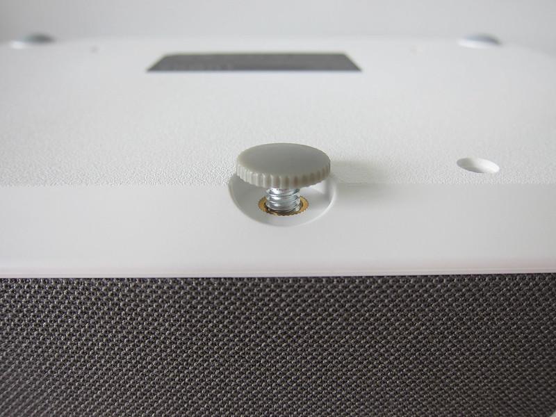 Lumos Auro - Bottom - Screw