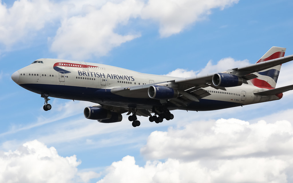 G-BNLN BRITISH AIRWAYS BOEING 747-400