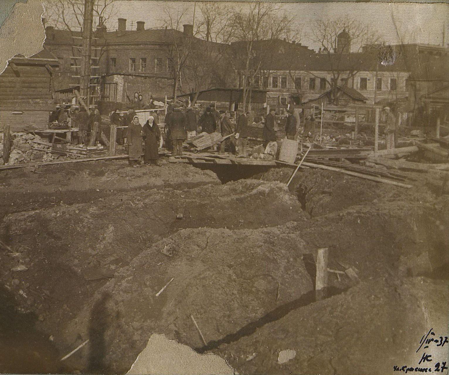 07. 1937. Строительство школы на улице Красина, дом 27. 1 апреля