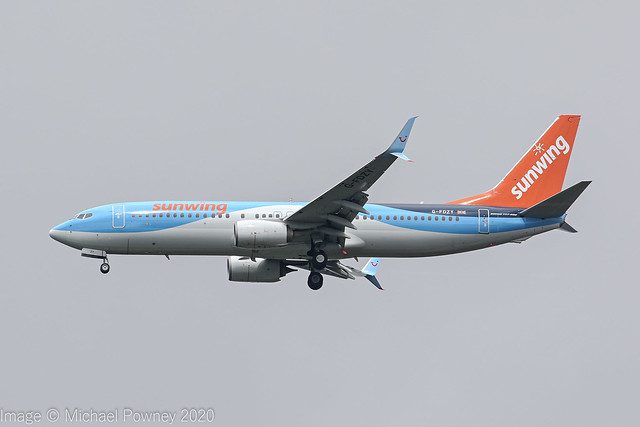 G-FDZY - 2011 build Boeing B737-8K5, inbound to Manchester still with Sunwing titles & logo