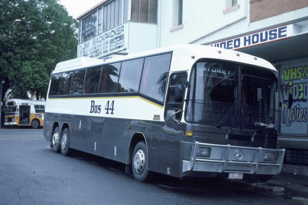 Dg Maj (F125) 1986 Bus 44-Kellyville-NSW (ISL288) MBz O303 in Brisbane - Ian Lynas