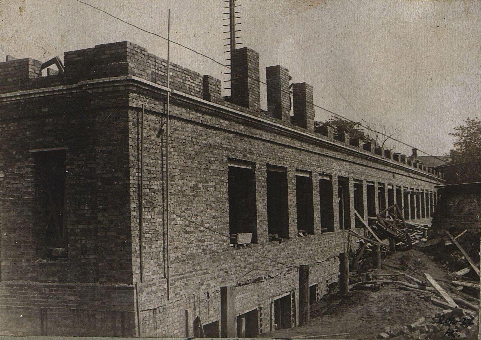 18. 1937. Строительство школы на Нижней Пресне. 20 мая
