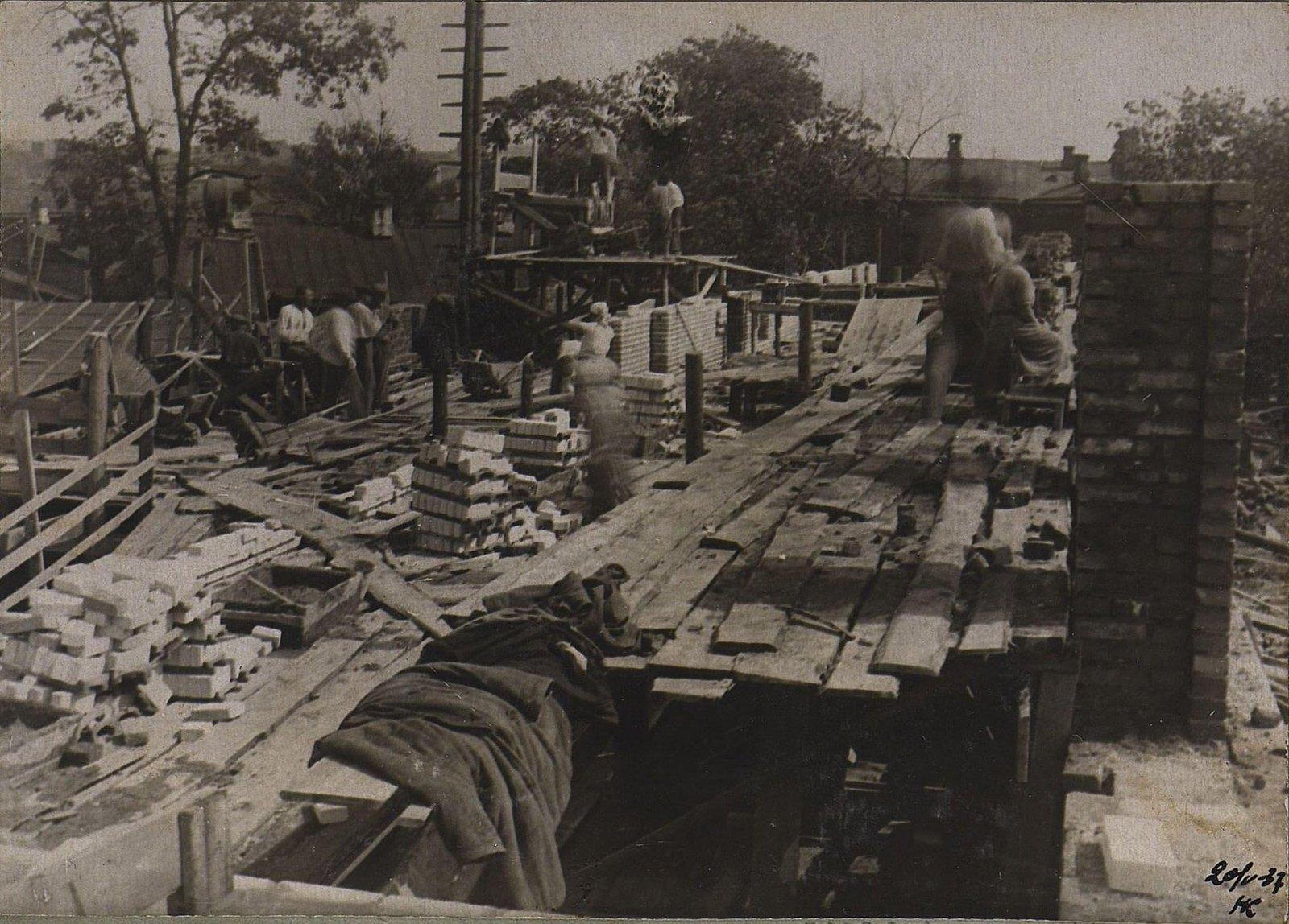 08. 1937. Строительство школы на улице Красина, дом 27. 20 мая