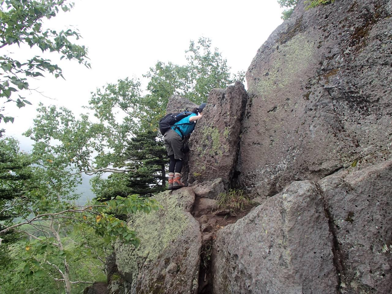 ニペソツ山 登山道の岩場