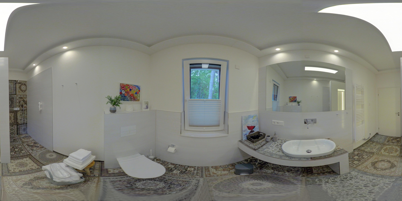 Badezimmer2 360