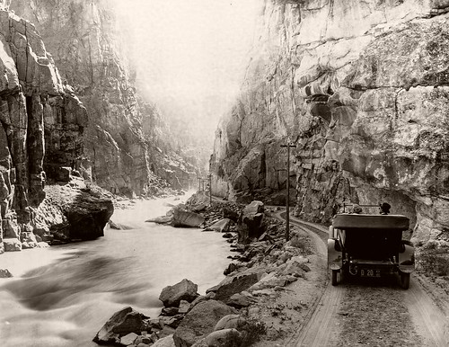 Original vintage 1899 image of the Yellowstone River