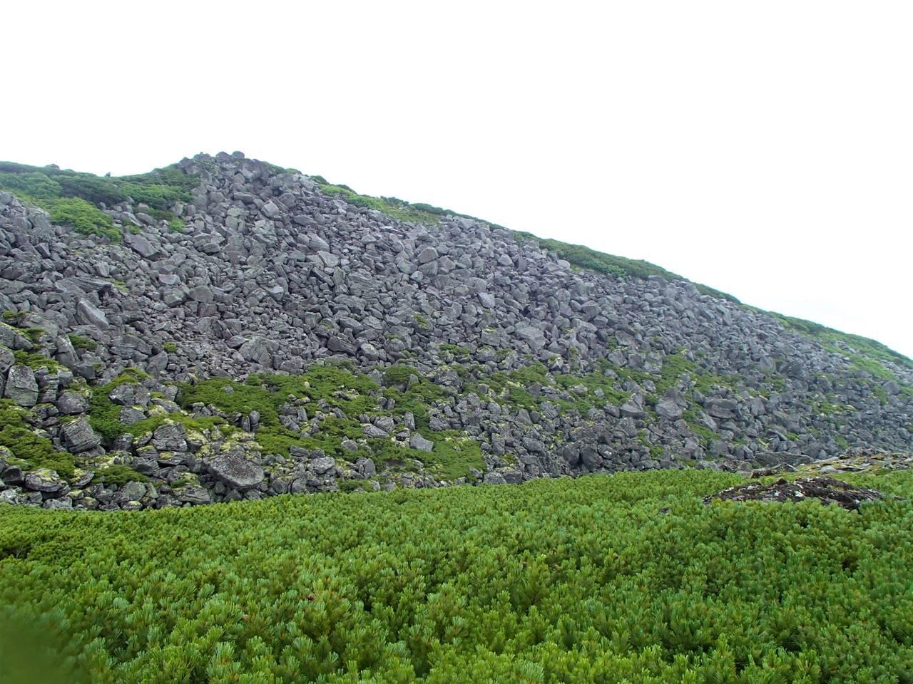 ニペソツ山登山 ガレ場