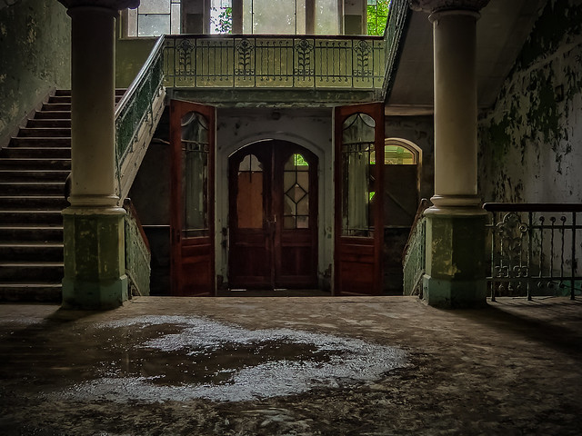 abandoned sanatorium - View of the beautiful old entrance [on Explore at 26/07/2020]