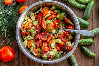 Salad with cucumbers, tomatoes, onions, dill with soy sauce and sunflower oil | by wuestenigel