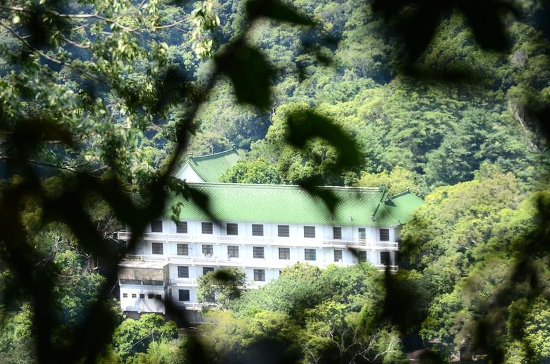 金童山登山山徑俯瞰法雲寺