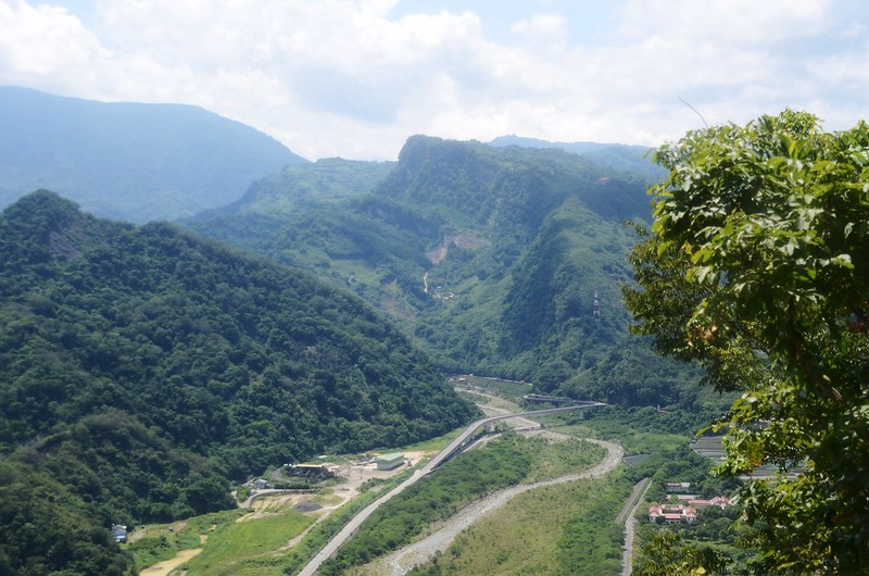 金童山東南望鷂婆山