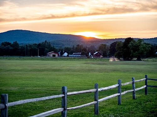 366photography2020 everydayphotographer field gh5 landscape lumix magichour micro43 mountains pad2020207 photoaday photooftheday picturesque potd2020 project365 sunset stephentown newyork unitedstatesofamerica