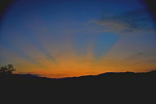cataloocheevalley sunset clouds sky trees silhouette sunbeams lowresolutionversion ncmountainman nikon d3400 phixe