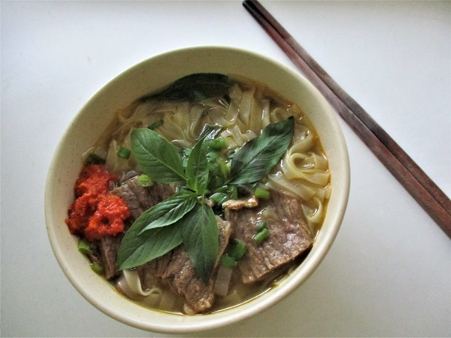 Instant beef pho