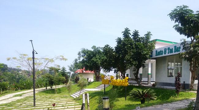 Resto-&-Tea-Bar-Taman-Saraswati
