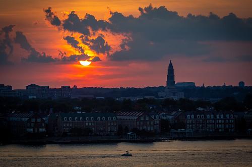 alexandria masonicmemorial sunset sun red redskies masonic georgewashingtonmemorial potomacriver virginia landscape clouds summer