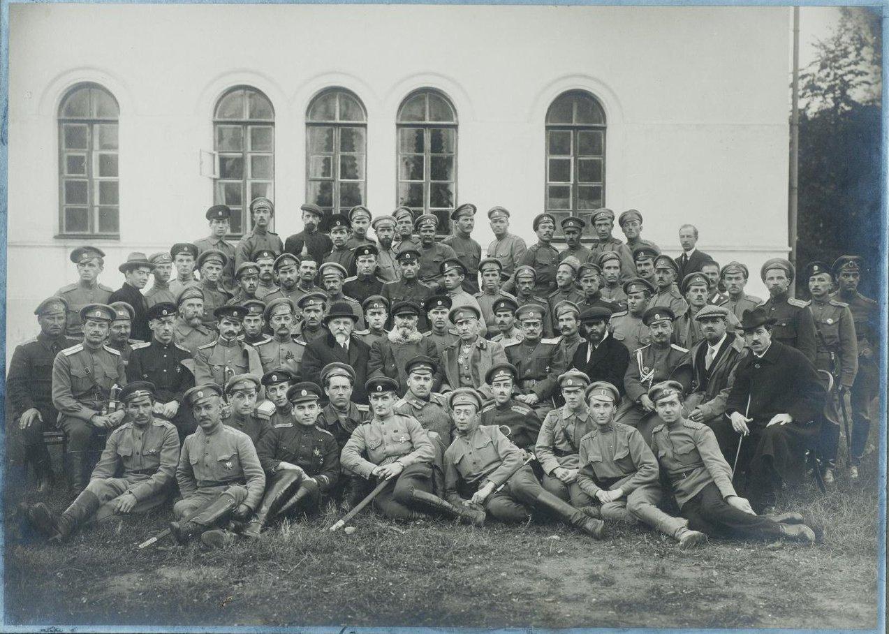 1910-е. Групповой снимок военных