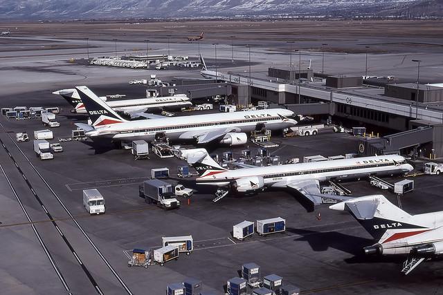 SLC - Salt Lake City - Delta - C-Gates - Feb 1999