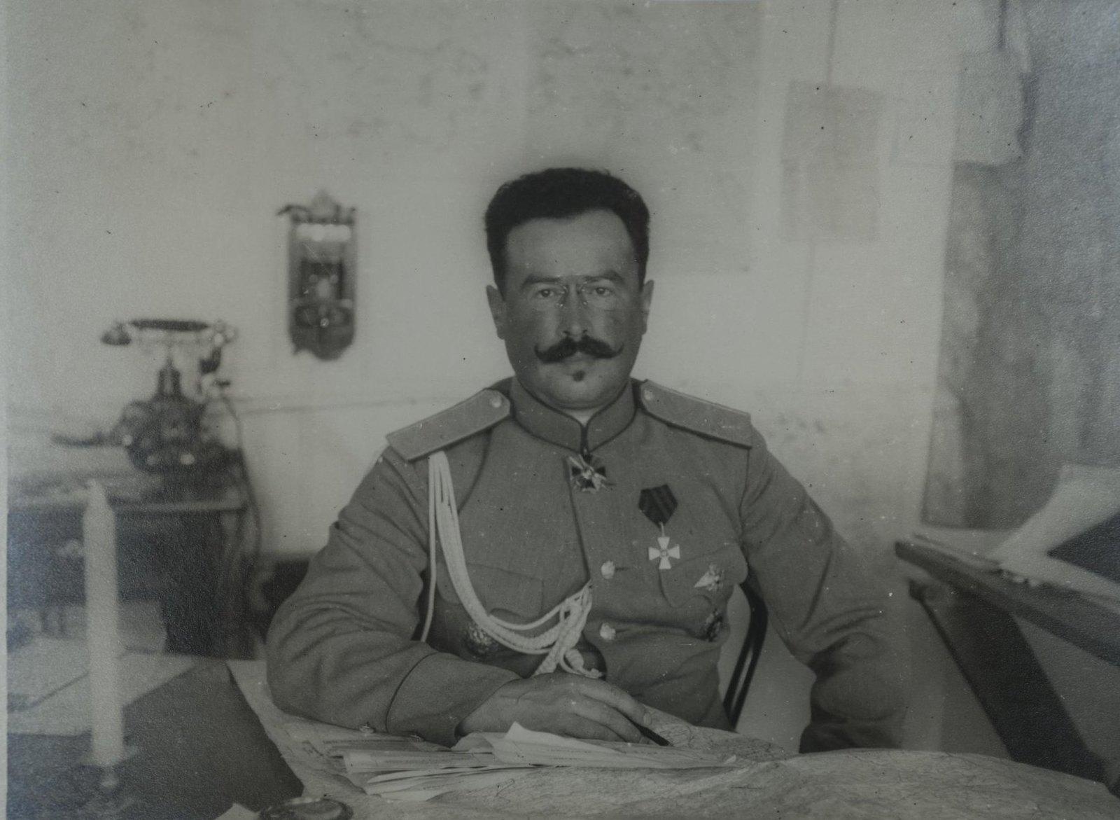 1916. Духонин Николай Николаевич