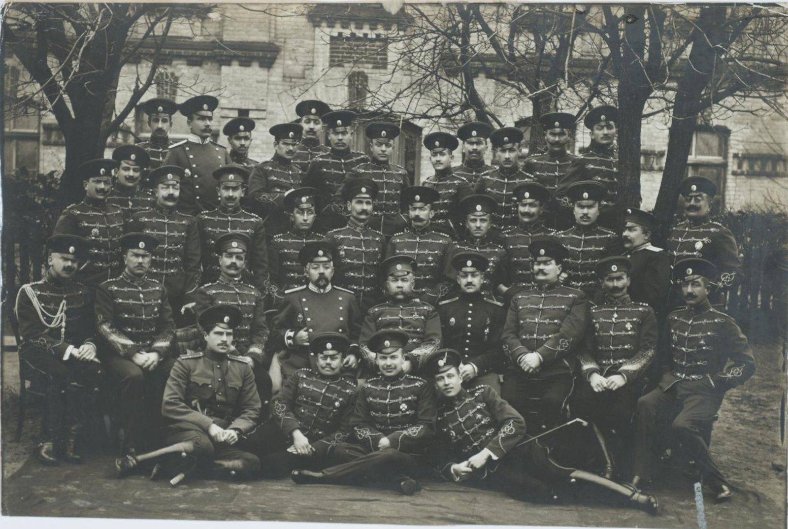 1890-е. Групповой снимок военных