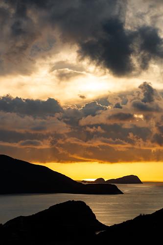 keithmulcahy sheko sunrise blackcygnus goldenhour hongkong mountains sea southerndistrict