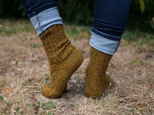 Crisscrossed Socks - KnitCrate avril 2020