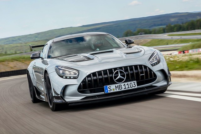 2021-Mercedes-AMG-GT-Black-Series-3-1