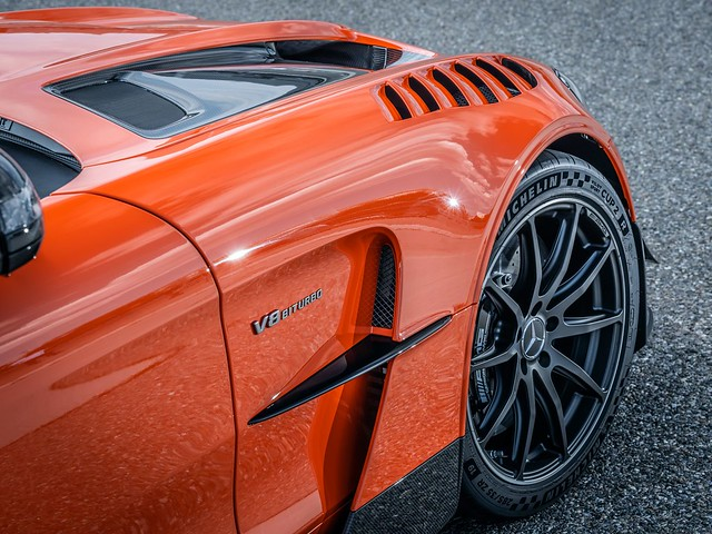 2021-Mercedes-AMG-GT-Black-Series-7-1