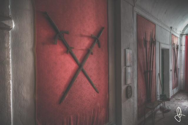 |URBEX| The House of Thrones