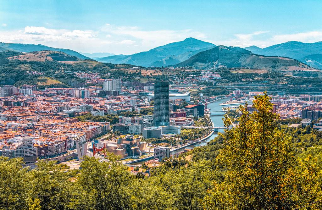 Visitar Bilbao desde las alturas en el Mirador de Artxanda