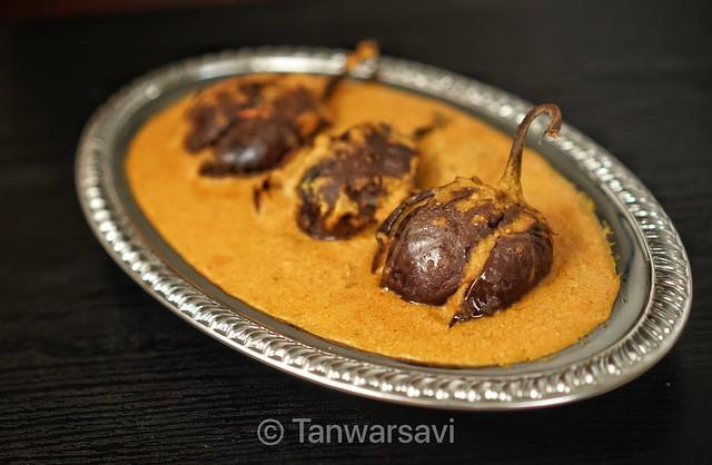 Bharwan baingan(Stuffed eggplant 🍆)