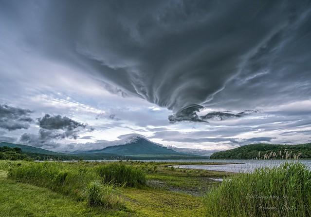 Dramatic lenticular cloud formation over Mt.Fuji