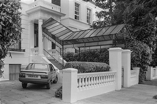 Pembridge Square, Notting Hill, Kensington & Chelsea, 1987 87-7d-33-positive_2400
