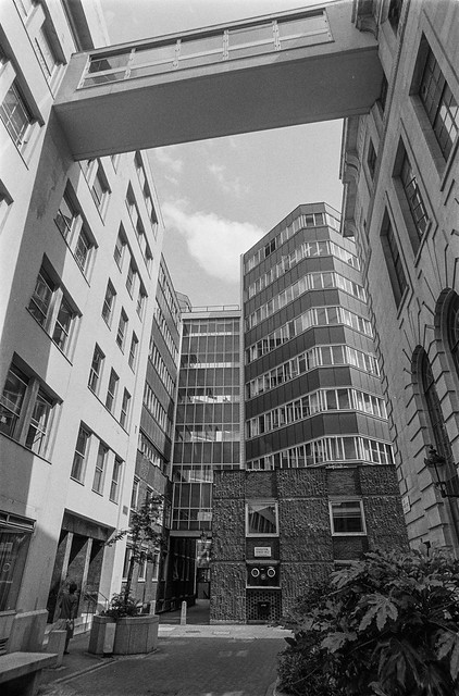 LSE, Houghton St, Westminster, 1987 87-7c-32-positive_2400