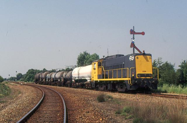 1989-05-22 NS 2289 met ketelwagens Budel