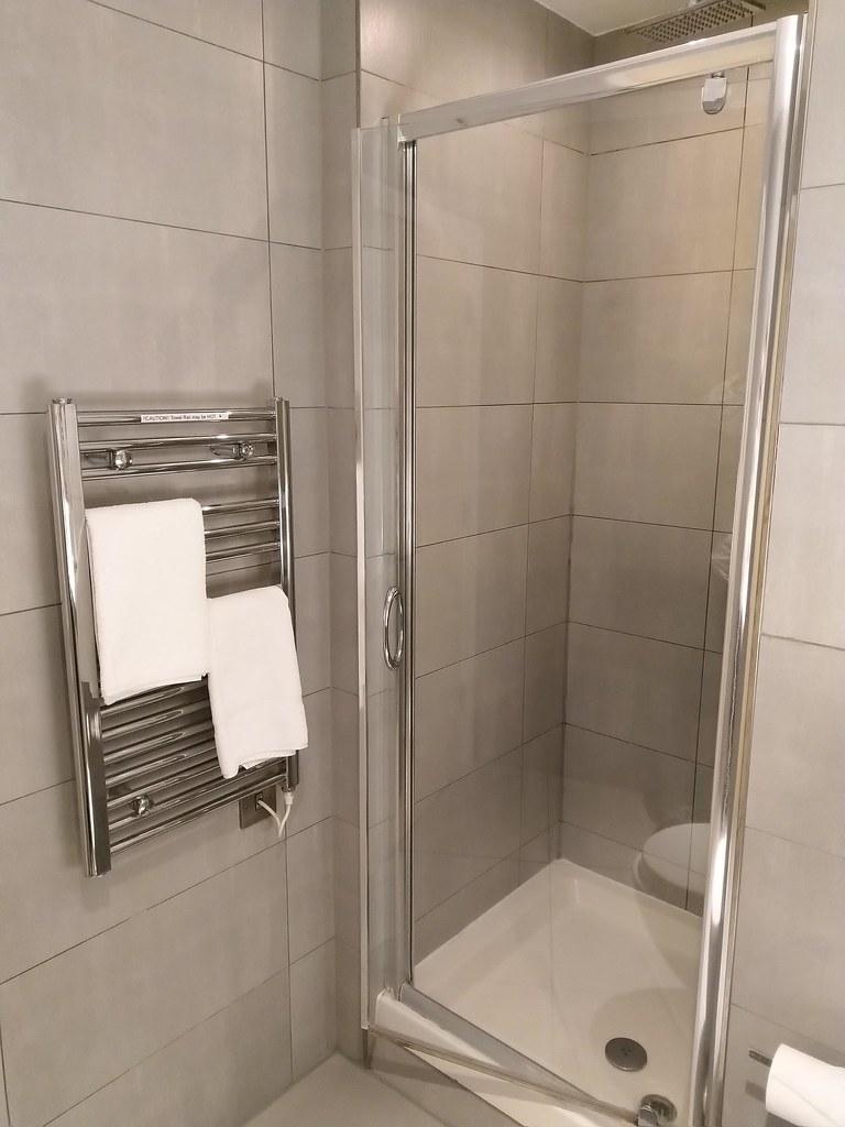 Shower Room, StayCity Aparthotel Greenwich