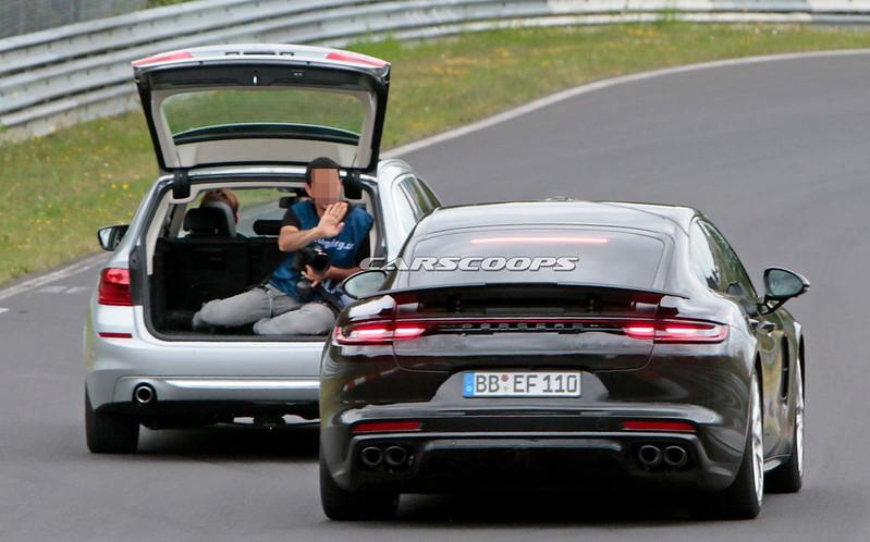 2021-Porsche-Panamera-67