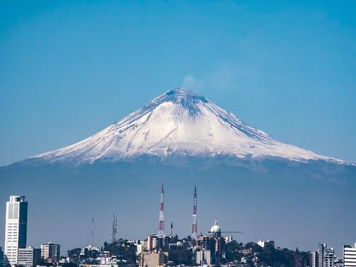 De blanco el Popocatepetl